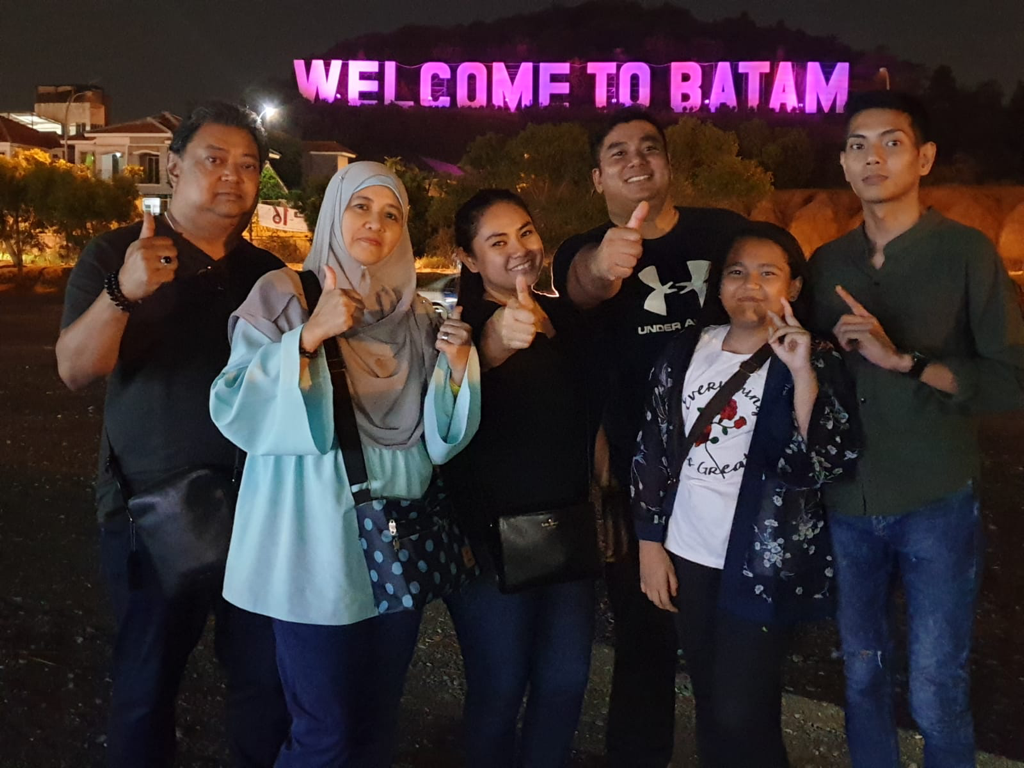 Welcome To Batam sign